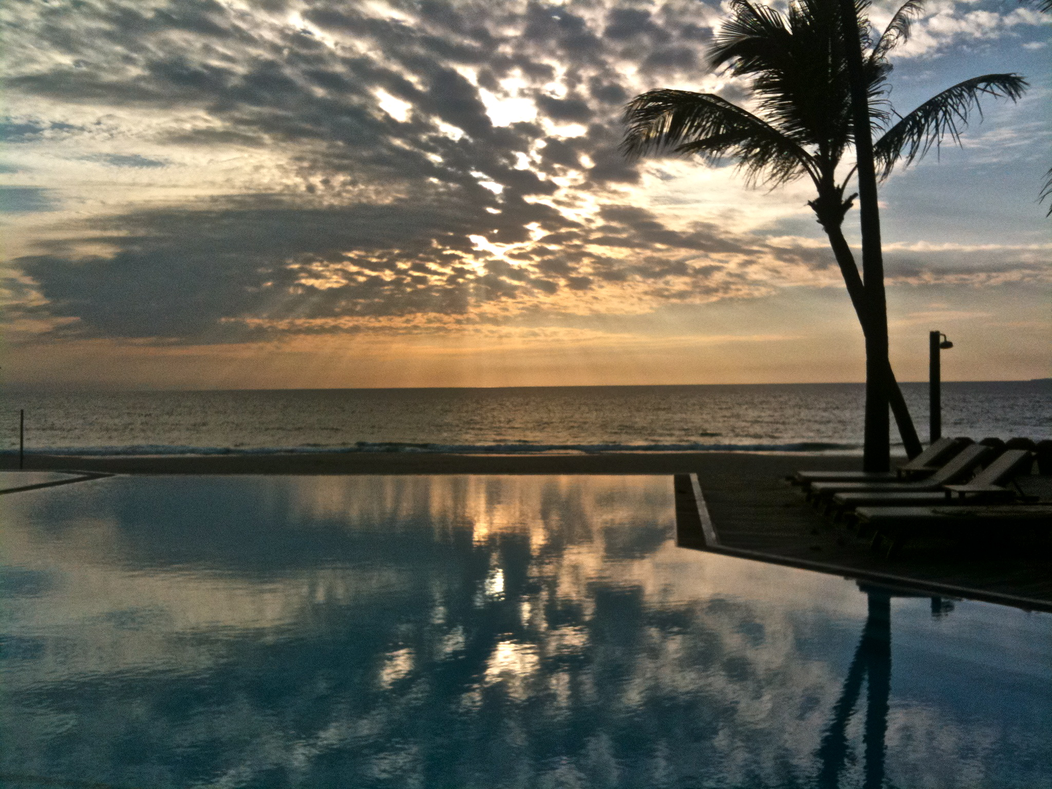 Palm Beach Hotel, Swimming Pool