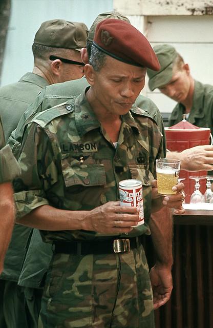 1969 - Chuẩn tướng Phan Ðình Thứ (Lam Sơn), tư lịnh phó Biệt Khu Thủ Đô