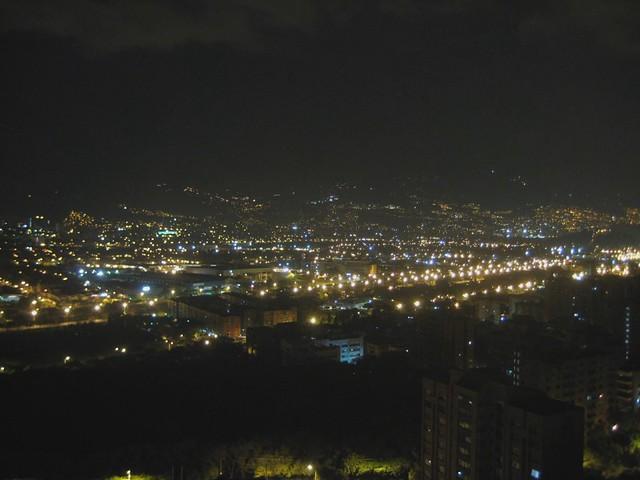 Medellín: De noche y de Día