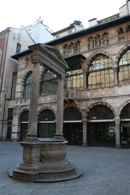 20091112 Milano 20 Piazza dei Mercanti 25