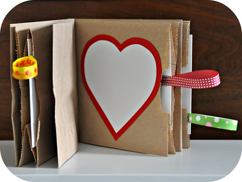 Refrigerator art craft favorites friday for Creative ways to make a book for a project