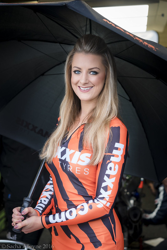 BSB Brands Hatch GP 2016 - Maxxis grid girl Michelle