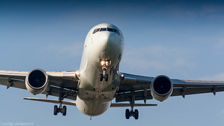 Air Canada 767-300ER on short final for runway 06