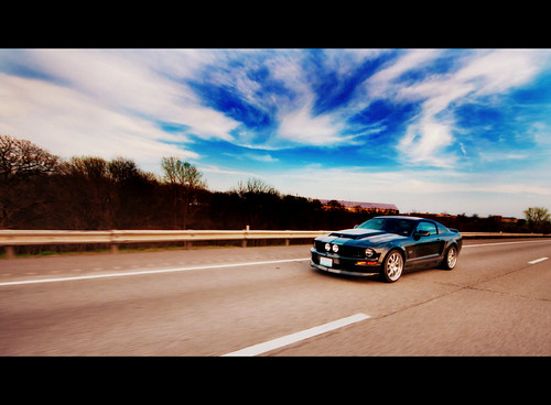 Roush Mustang on I-29