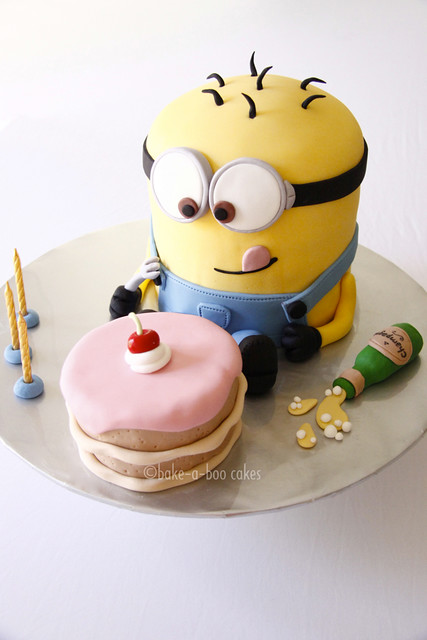 Minions Cake http://www.flickr.com/photos/bake-a-boo_nz/5816423882/