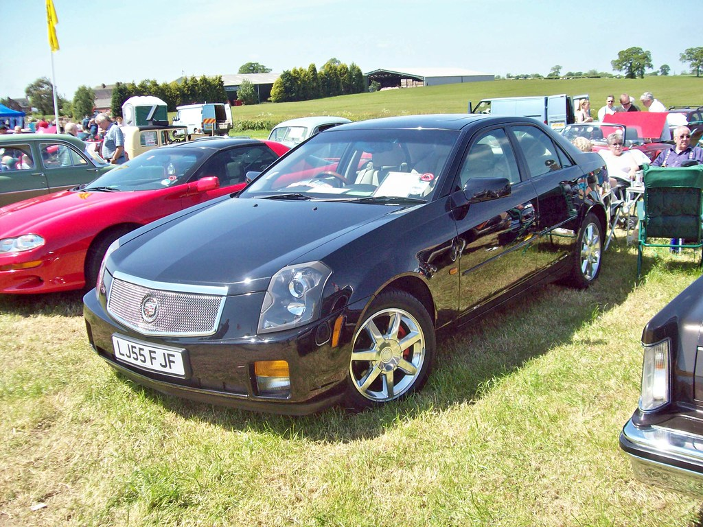 16 Cadillac CTS 1st Gen. (2005)