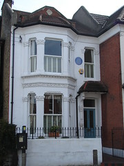 Photo of Fred Knee blue plaque