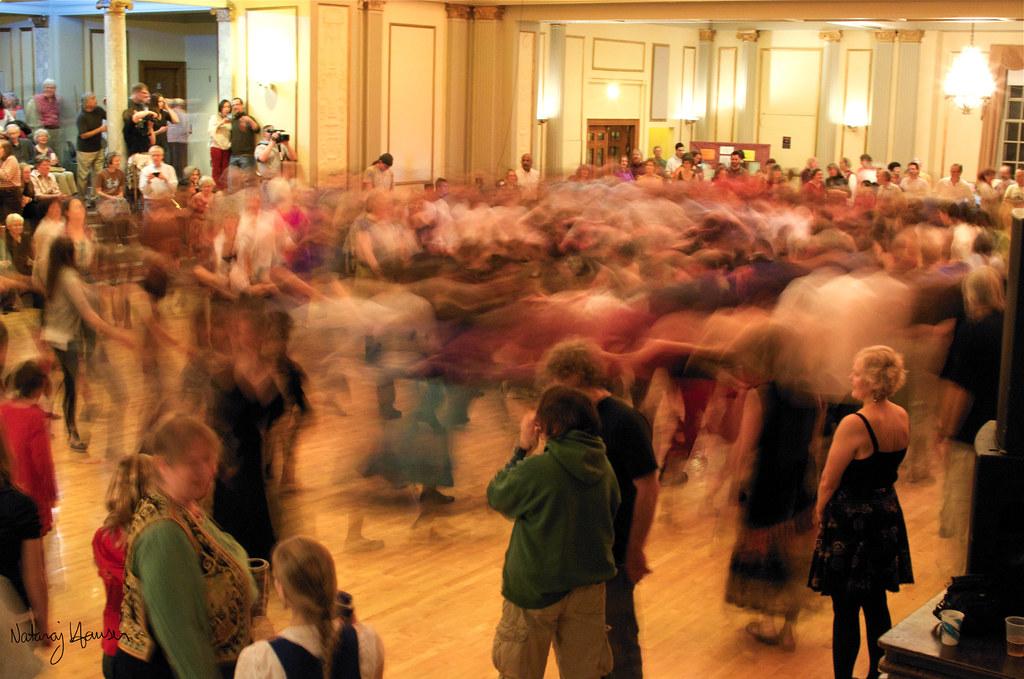 Folk Ball Swirl by nataraj_hauser / eyeDance