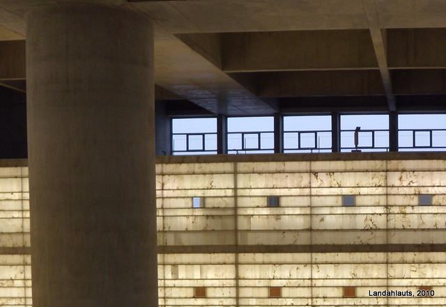 El cubo del banco mare nostrum flickr photo sharing for Caja de granada oficinas