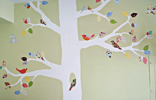 El beb entre flores un rbol en la habitaci n for 7 habits tree mural