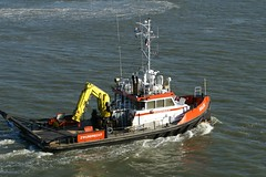 united states coast guard cutter(0.0), ship(0.0), anchor handling tug supply vessel(0.0), platform supply vessel(0.0), fireboat(0.0), fishing trawler(0.0), pilot boat(0.0), patrol boat(0.0), vehicle(1.0), sea(1.0), watercraft(1.0), tugboat(1.0), boat(1.0), coast guard(1.0),
