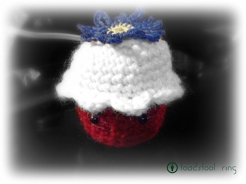 Red Velvet Cupcake Amigurumi