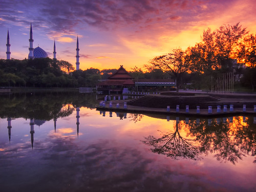 morning lake sunrise reflections landscape lumix dawn islam mosque panasonic malaysia hdr masjid suria pagi shahalam firstlight photomatix subuh topseven platinumphoto tasikshahalam theunforgettablepictures fz28 ishafizan magicunicornverybest