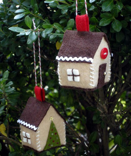 Gingerbread House Ornament 1