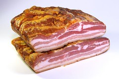 bacon(1.0), pork(1.0), meat(1.0), sirloin steak(1.0), capicola(1.0), ham(1.0), back bacon(1.0), food(1.0), dish(1.0), cuisine(1.0),