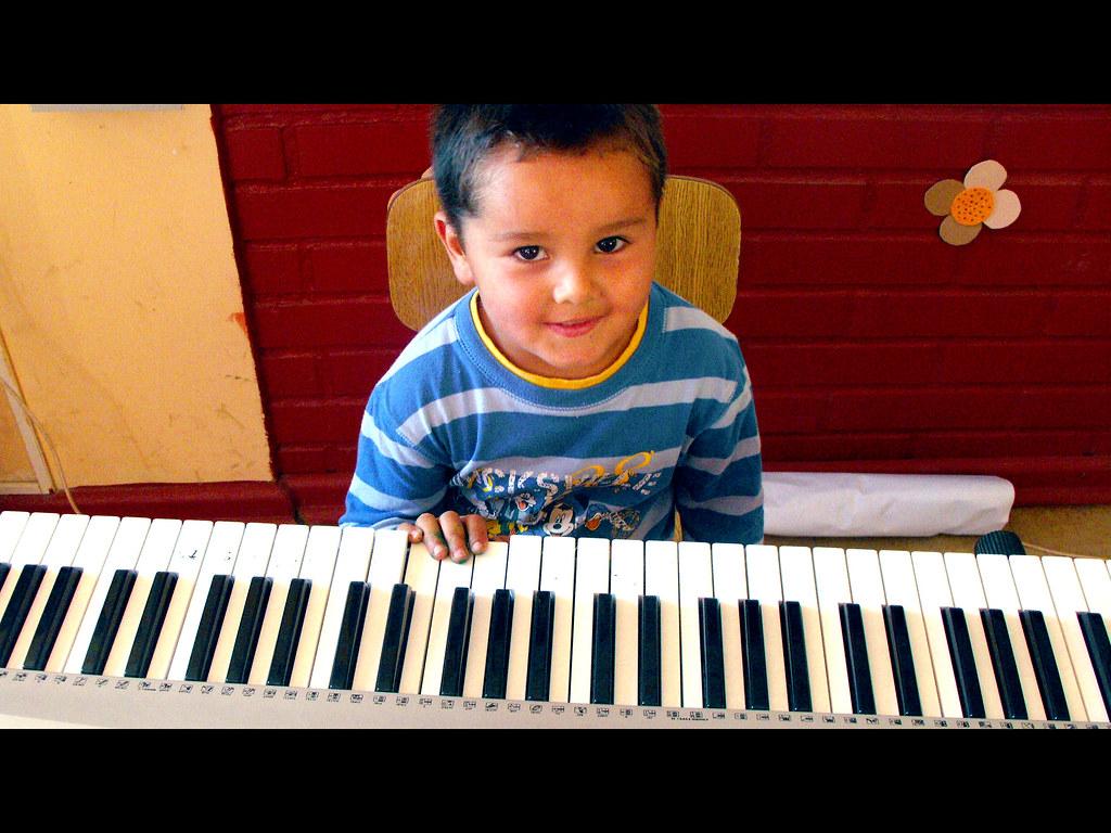 013-1 Muchas melodías podrás aprender... (8)