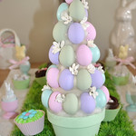 Egg topiary tree