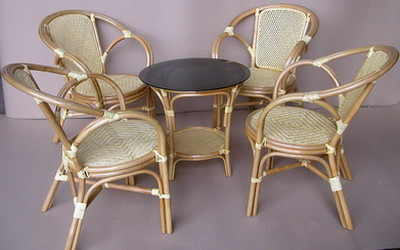 Momon Dining Set