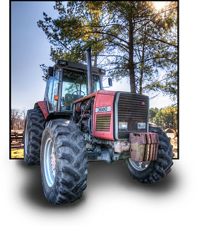 The Tractor at Ravenwood Farm in Pollocksville, North Carolina :: OOB