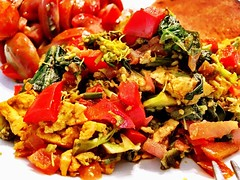 #tofu scramble (with spinach, broccoli & red pepper) Sunday #brunch! Yum! #vegan
