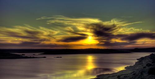 sunset david sol landscape lago spain agua nikon paisaje nubes hdr embalse extremadura alange acevedo d90 kidlokofoto
