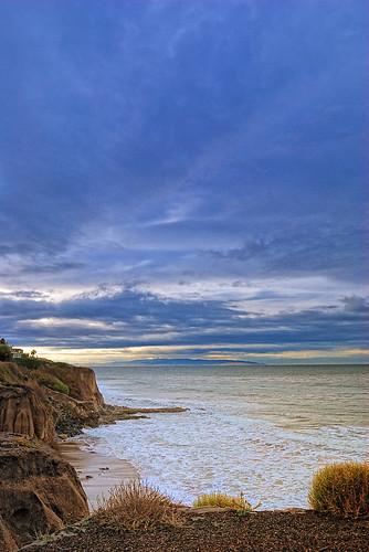 beach sunrise cliffs pismobeach kpa naturallighting nikond60 pinoyphotographer tonalcontrast capturenx2