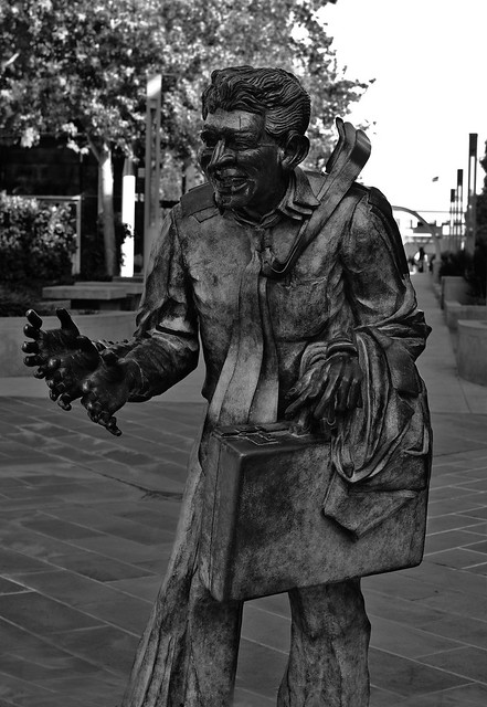 San Francisco - Shaking Man Statue