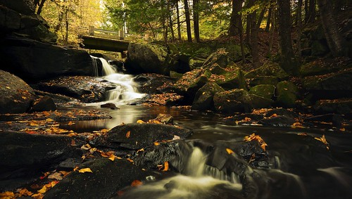 longexposure autumn fall nature leaves creek landscape aperture sony scenic newengland newhampshire nh fallfoliage waterblur topazlabs bicknellbrook topazclarity nex7