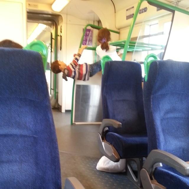 Swinging#curriculumday #melbourne#train