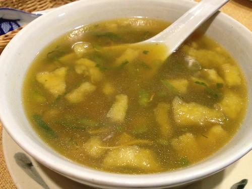 長崎県産あわびと魚の浮き袋、夏草花のベトナムスープ@オーセンティック