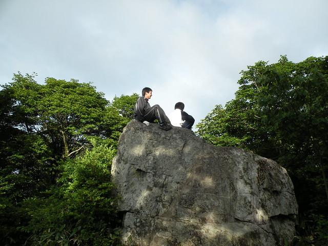 暗くなるまでのひととき,臥竜山山頂まで足をのばした参加者も.少しの時間で登ることができ,達成感があったそう.