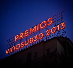 premios vinosub30 2013 neon