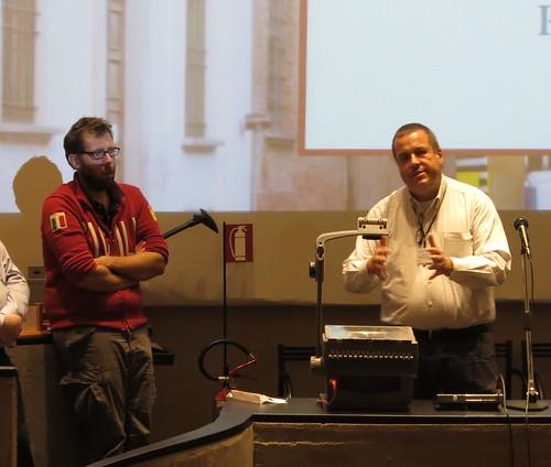 帕文(圖右)與瑞可班尼教授(圖左)團隊的研究,也促成了此次國際海底聲學研討會。攝影:范欽慧