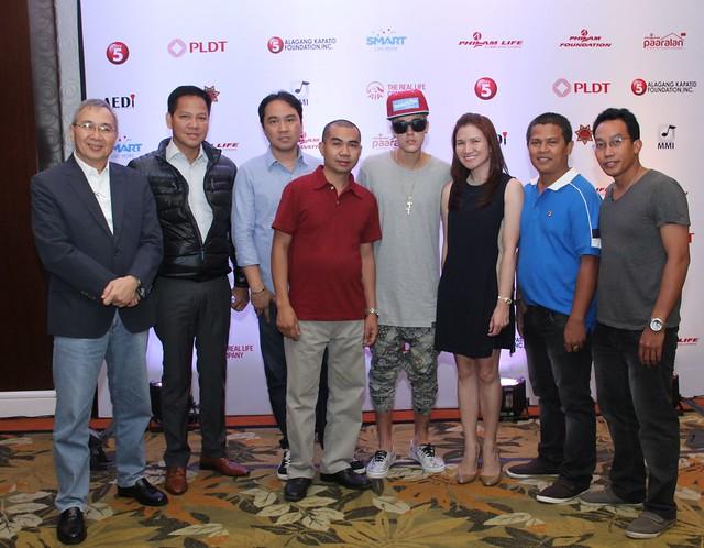 Justin Bieber at Edsa Shang
