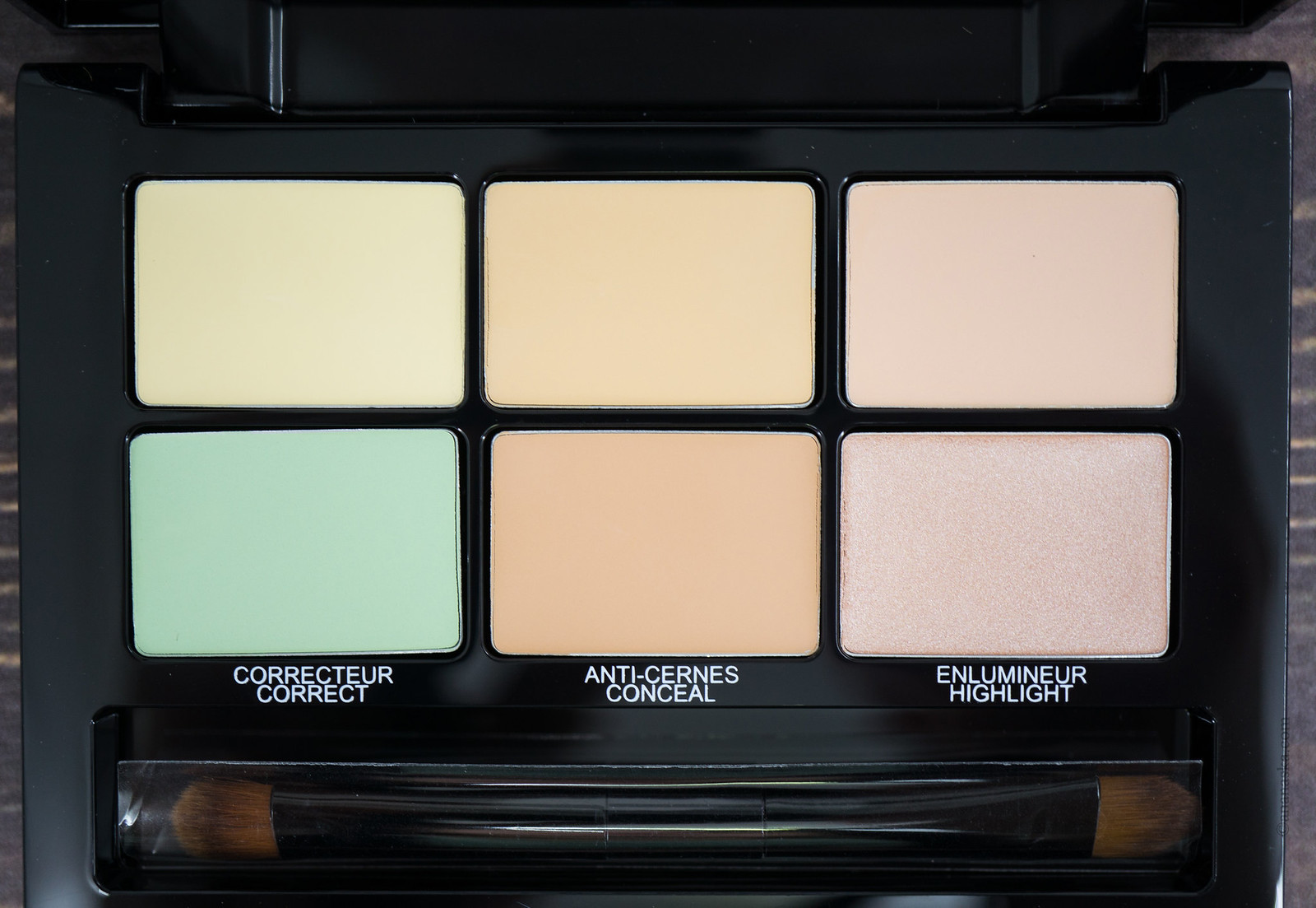 Maybelline Master Camo Color Correcting Kit 01 Light