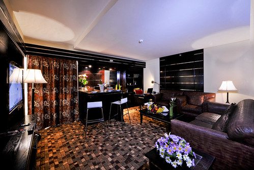 Lounge complete with Beverage counter, Private office, Sitting Lounge and 42 inch interactive TV screen
