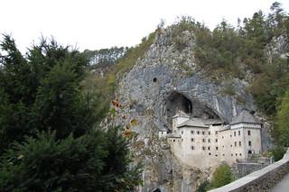 Predjama Castle Bukovje 근처 의 이미지. slovenia predjamacastle