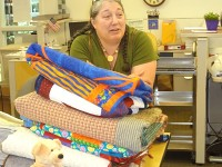 veterans_quilts_delivery_20130624_1731950852