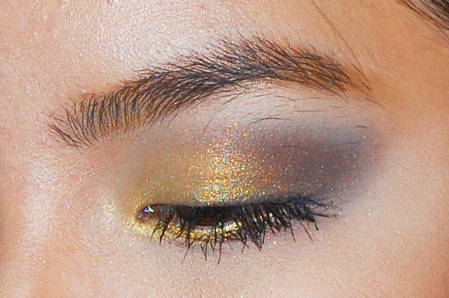 eotd, eyes of the day, eye makeup look, black and gold makeup, antique smokey eyes, gold smokey eyes, egyptian inspired makeup look, pinay beauty blogger, makeup for asian eyes, easy makeup look