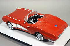 1961 Chevrolet Corvette convertible cake