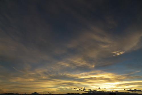 Gold en Sky - After Typhoon at Saitama