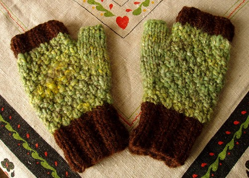 moss stitch mitts