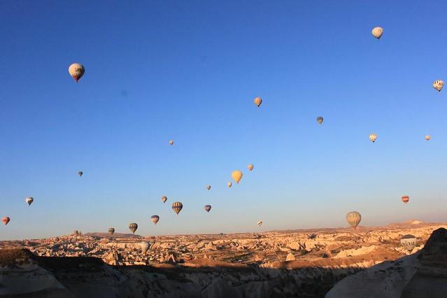 IMG_7416_lotsa-balloons_Small