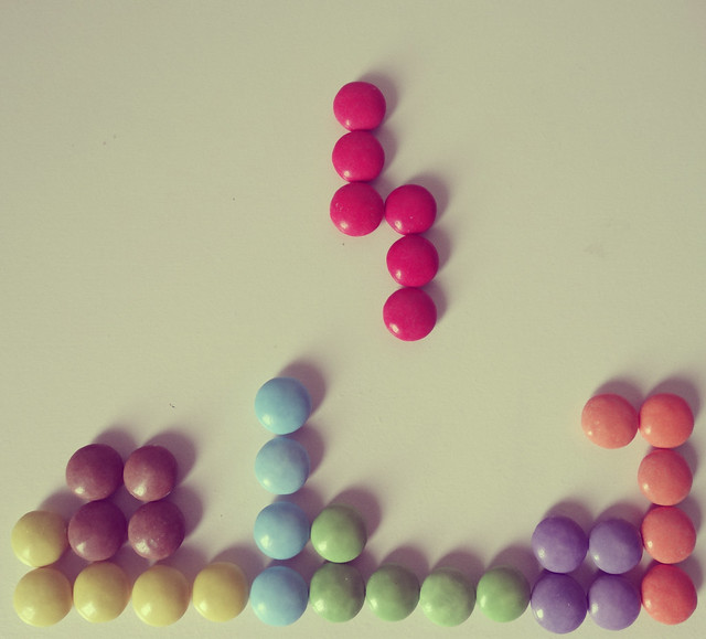 #Catchycolors ; #FlickrFriday. Tetris, avec des smarties...