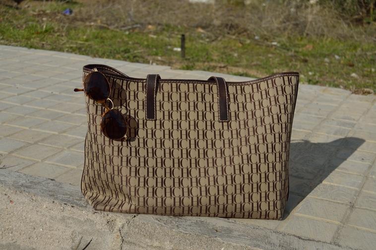 lara-vazquez-madlula-style-details-brown-bag-CH