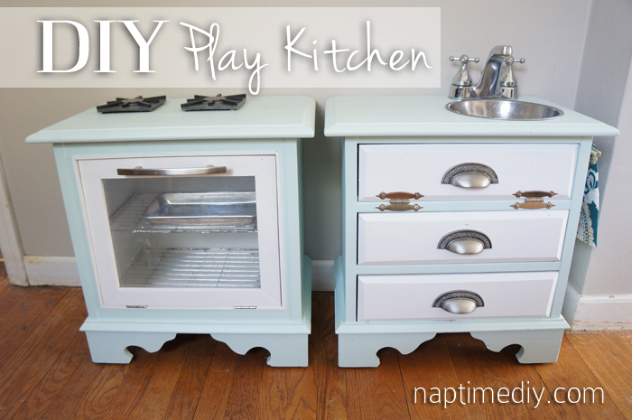 DIY Play Kitchen title (NaptimeDIY.com)