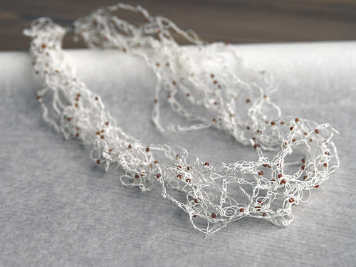 crocheted-necklace