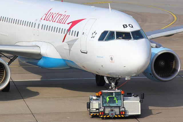 Austrian - A320 - OE-LBQ (1)