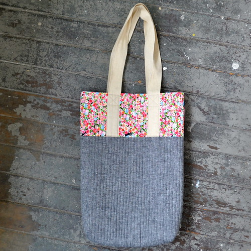 Tote bag (with cat fabric!)