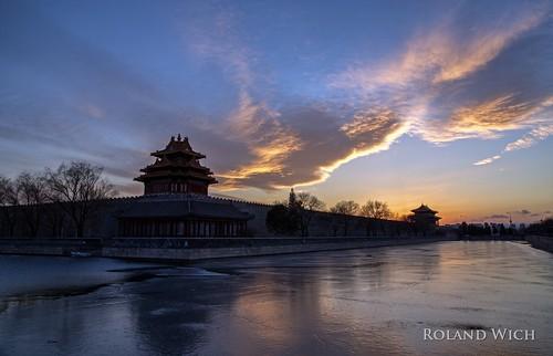 peking beijing pekin 北京 china 中國 forbidden city verbotene stadt sunset silhouettes ice eis clouds